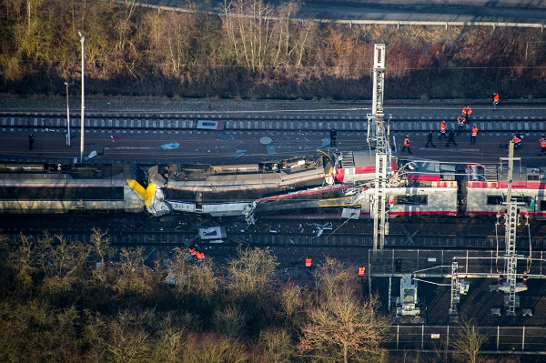 "This handout photo released by the Luxembourg's Police Grand-Ducale shows a passenger train after it collided with a freight train near Dudelange in Luxembourg on February 14, 2017, killing one person and injuring several more, police said. The passenger service from Thionville in northeast France hit the goods train at Bettembourg near the French border around 0800 GMT, they said. / AFP PHOTO / POLICE GRAND-DUCALE / HO / RESTRICTED TO EDITORIAL USE - MANDATORY CREDIT ""AFP PHOTO / POLICE GRAND-DUCALE"" - NO MARKETING NO ADVERTISING CAMPAIGNS - DISTRIBUTED AS A SERVICE TO CLIENTS"