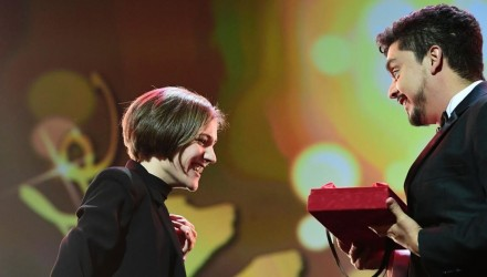 Carla Simon  L  wins the award for best first film of the awards ceremony of the 67th Berlinale film festival in Berlin on February 18  2017     AFP PHOTO   Tobias SCHWARZ   Austria OUT