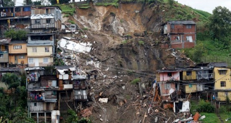 General view after mudslides in Manizales, Caldas department, Colombia on April 19, 2017. Flooding and mudslides in central Colombia have killed at least eleven people, the Red Cross said Wednesday, causing alarm in a country still recovering from mudslides that killed hundreds / AFP PHOTO / STRINGER