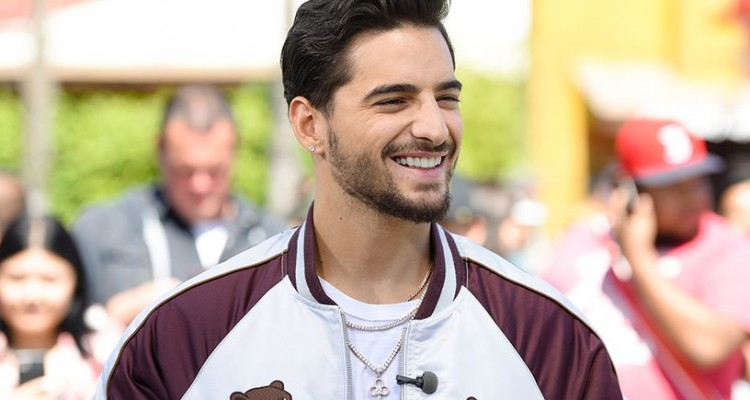 maluma-visits-extra-at-universal-studios-hollywood-on-march-28-2017