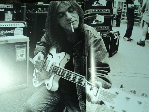 1397658579_Malcolm-Young_opt